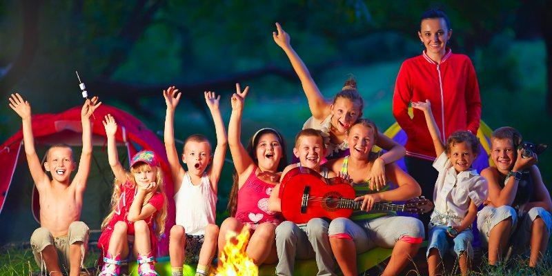Kampvuurliedjes zingen